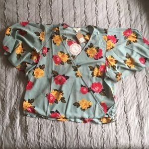 UMGEE faux wrap floral top flowy sleeves. small